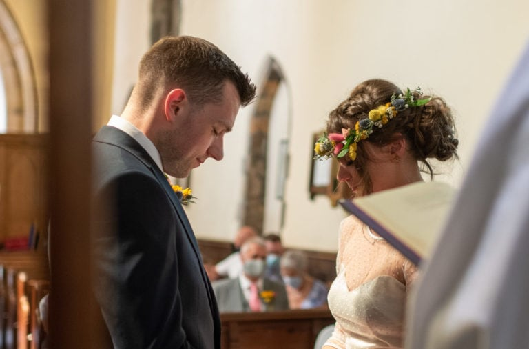 Colourful, relaxed garden wedding in Loughborough | Katy & Richard